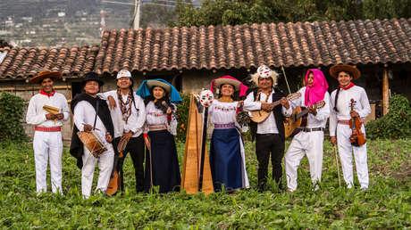 """""""Hijos de la resistencia"""": los niños y adolescentes que evitaron que la música de sus antepasados indígenas desapareciera"""