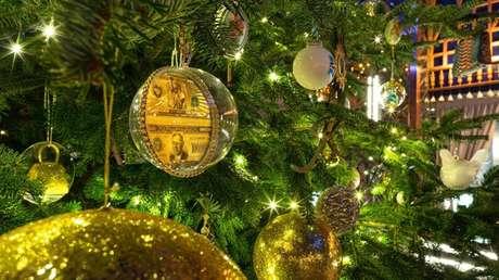 Un hotel de España presenta el árbol de Navidad más caro del mundo (VIDEO)