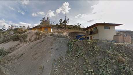 Una niña peruana de 9 años se esconde debajo de su cama mientras desconocidos asesinan a toda su familia