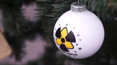 En la ciudad fantasma próxima a la central de Chernóbil inauguran un árbol de Año Nuevo por primera vez desde la tragedia