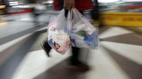 Ginebra multará por los plásticos de un solo uso a partir de enero