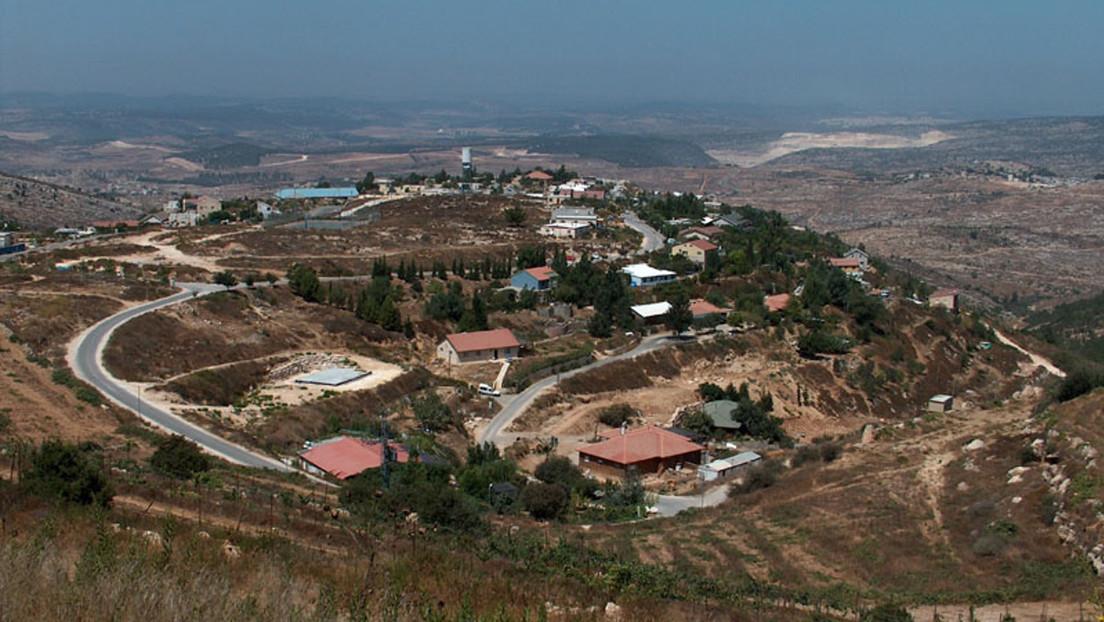 Habitantes de un asentamiento israelí en Cisjordania atacan a dos policías disfrazados de palestinos