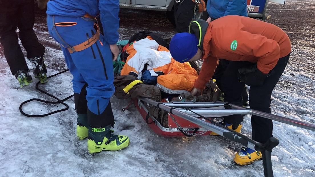 Un alpinista adolescente sobrevive tras caer desde la tercera montaña más popular del mundo