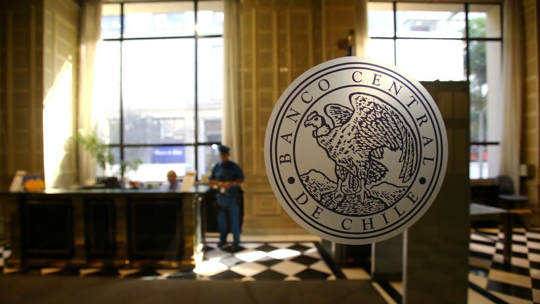 La economía chilena cayó 3,3 % en el último año