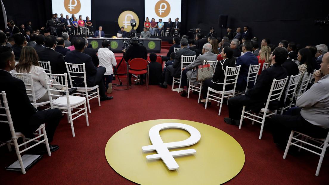 Maduro informó que el petróleo venezolano será vendido en la criptomoneda petro