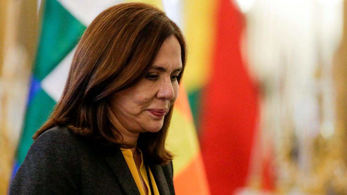 """Canciller de facto de Bolivia busca reunirse con su homólogo de México en un país """"neutral"""" para bajar tensión diplomática"""