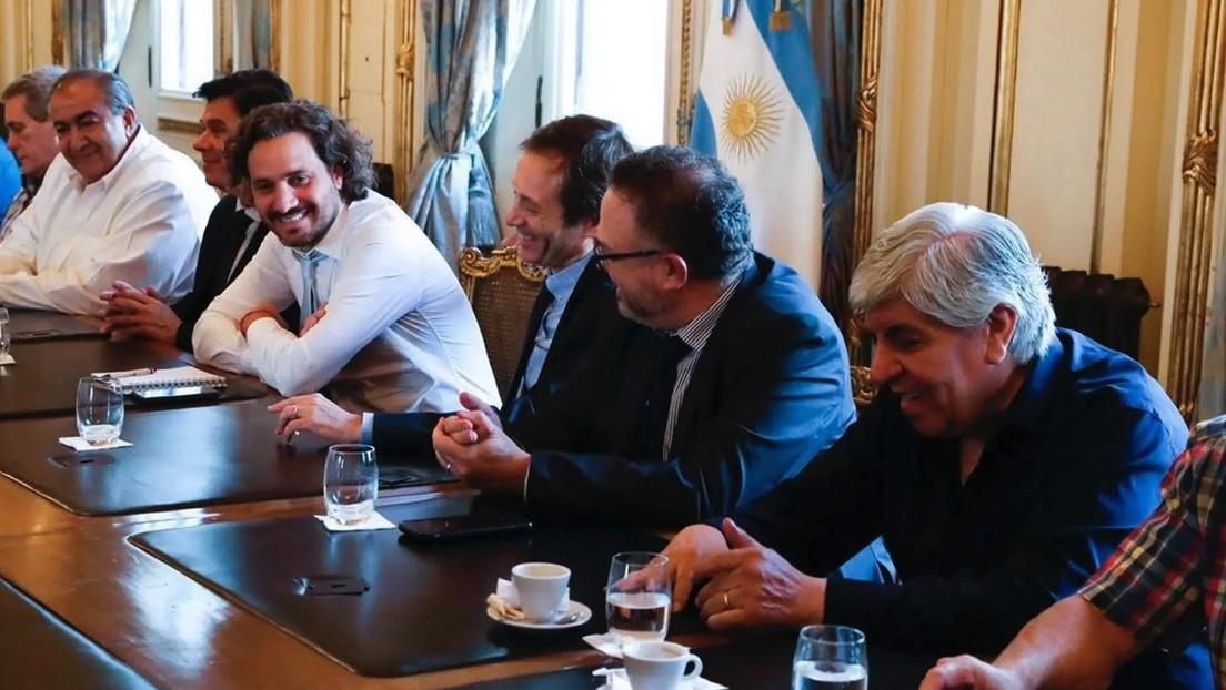 Argentina decreta aumento de sueldos para trabajadores privados y estatales
