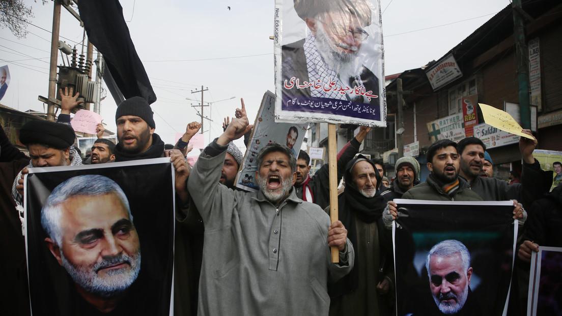 """VIDEO: Musulmanes chiítas de la Cachemira india protestan por el asesinato de Soleimani y prometen """"venganza"""""""