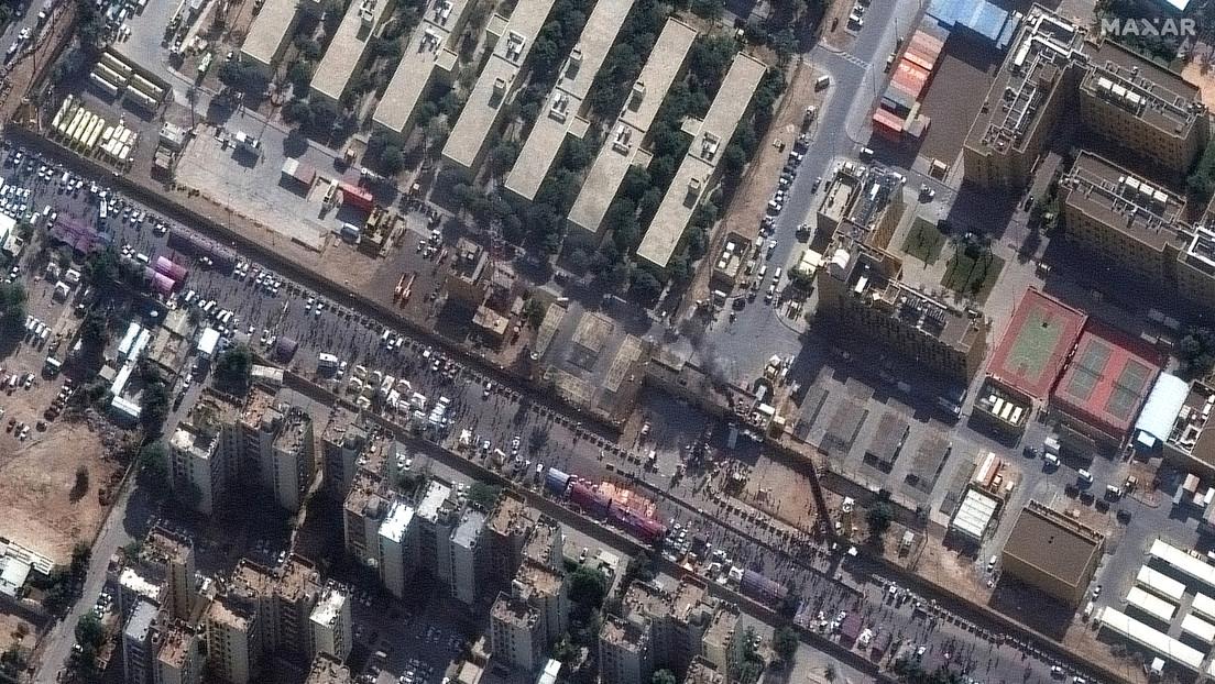 FOTO: Imágenes satelitales muestran el área frente a la Embajada de EE.UU. en Bagdad un día después del asalto