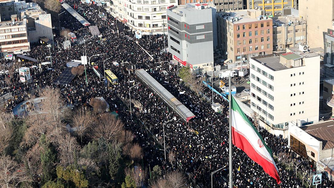 VIDEO: Decenas de miles de personas despiden al general Soleimani en Teherán