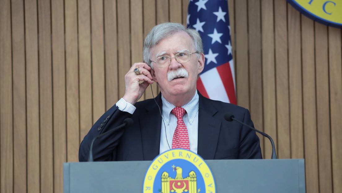 John Bolton dice estar dispuesto a testificar en el Senado durante el impeachment contra Trump