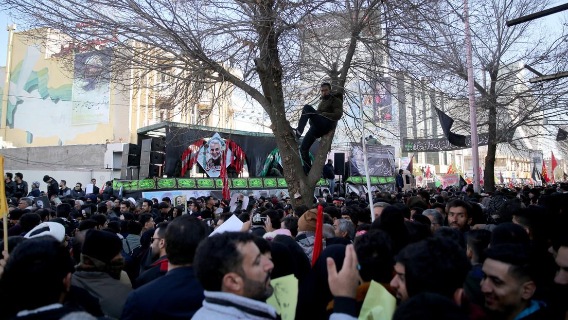 Decenas de muertos por una estampida durante el funeral de Soleimani en Irán