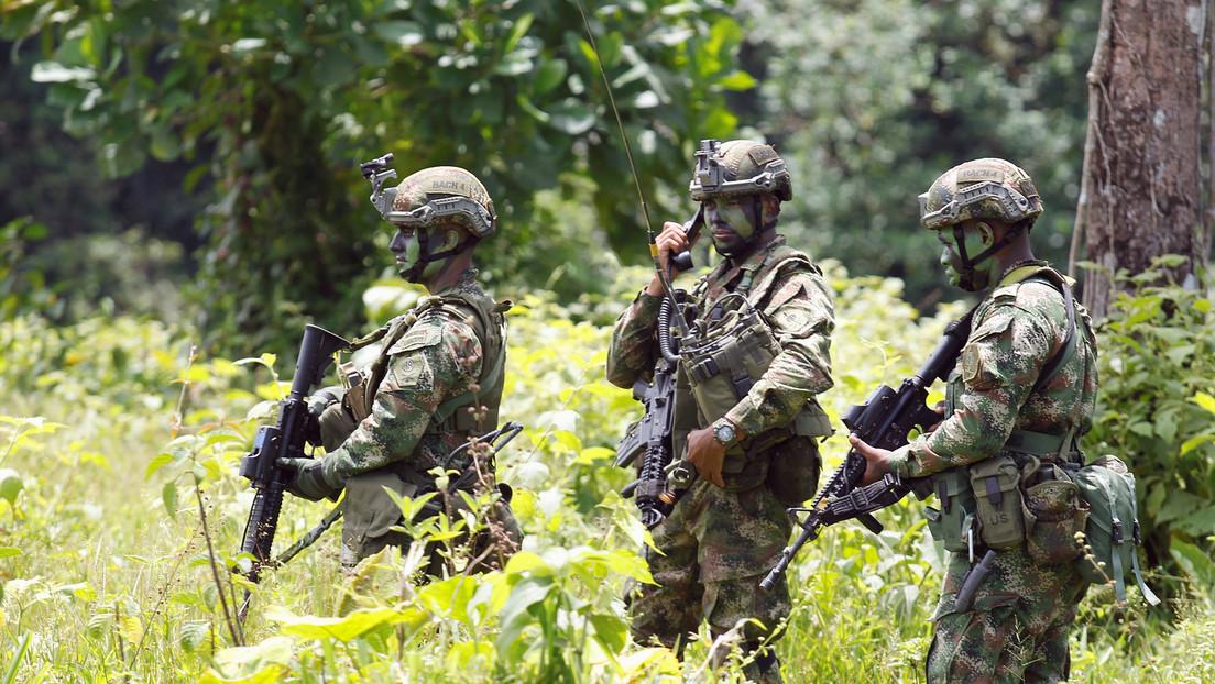 Ejército colombiano encuentra seis cuerpos en dos fosas comunes en el departamento de Nariño
