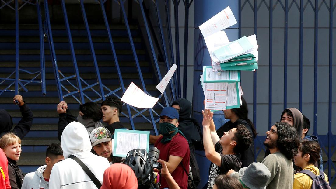 El Gobierno chileno anuncia querellas contra los responsables de los disturbios que impidieron celebrar las pruebas de acceso a la universidad