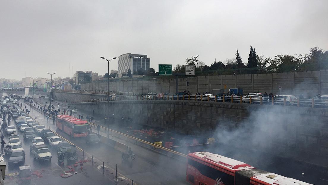 Al menos 20 muertos y decenas de heridos al volcarse un autobús en Irán