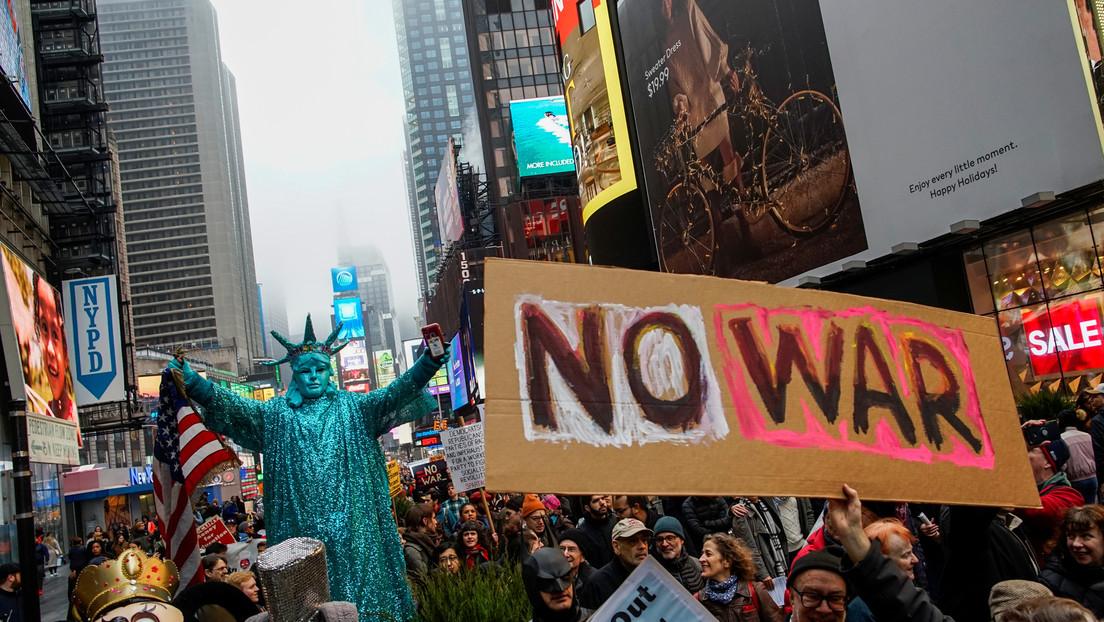 VIDEO: Miles de ciudadanos protestan en Nueva York en contra de una guerra con Irán