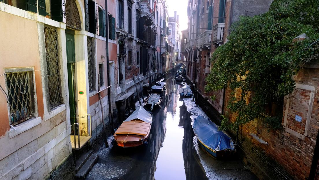 Venecia pasa de estar inundada a quedarse sin agua (FOTOS, VIDEO)