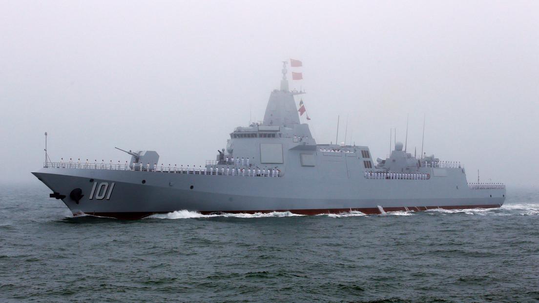 El destructor más avanzado de China entra oficialmente en servicio