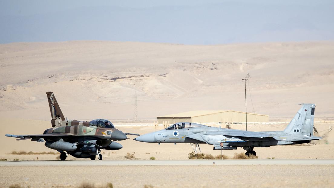 FOTO: Inundaciones causan daños millonarios en aviones de combate israelíes en sus hangares