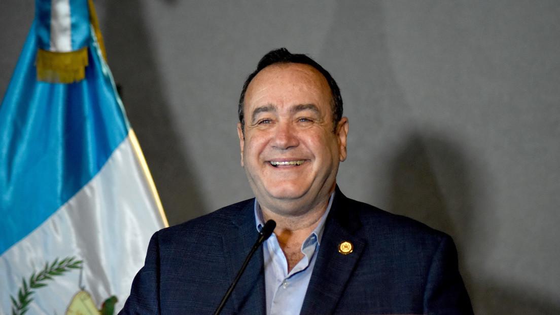 Giammattei asume la Presidencia de Guatemala: ¿qué país recibe y cuáles son los retos a los que se enfrenta?