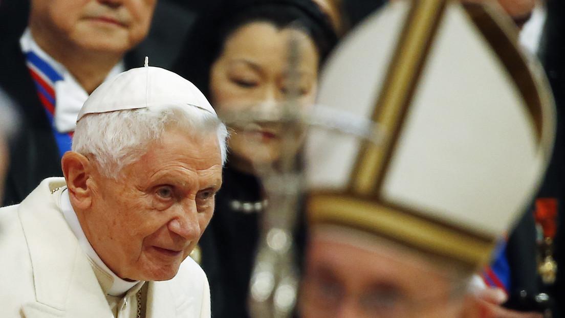 Benedicto XVI quiere que se elimine su nombre de un polémico libro sobre el celibato