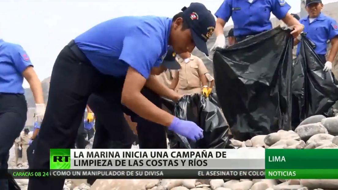 La Marina de Perú inicia una campaña de limpieza de costas y ríos