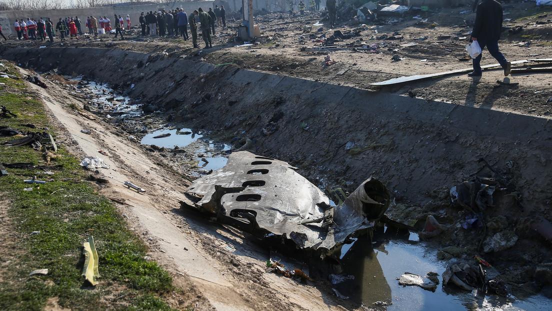 Un nuevo video muestra el supuesto momento en que 2 misiles iraníes impactaron el Boeing ucraniano