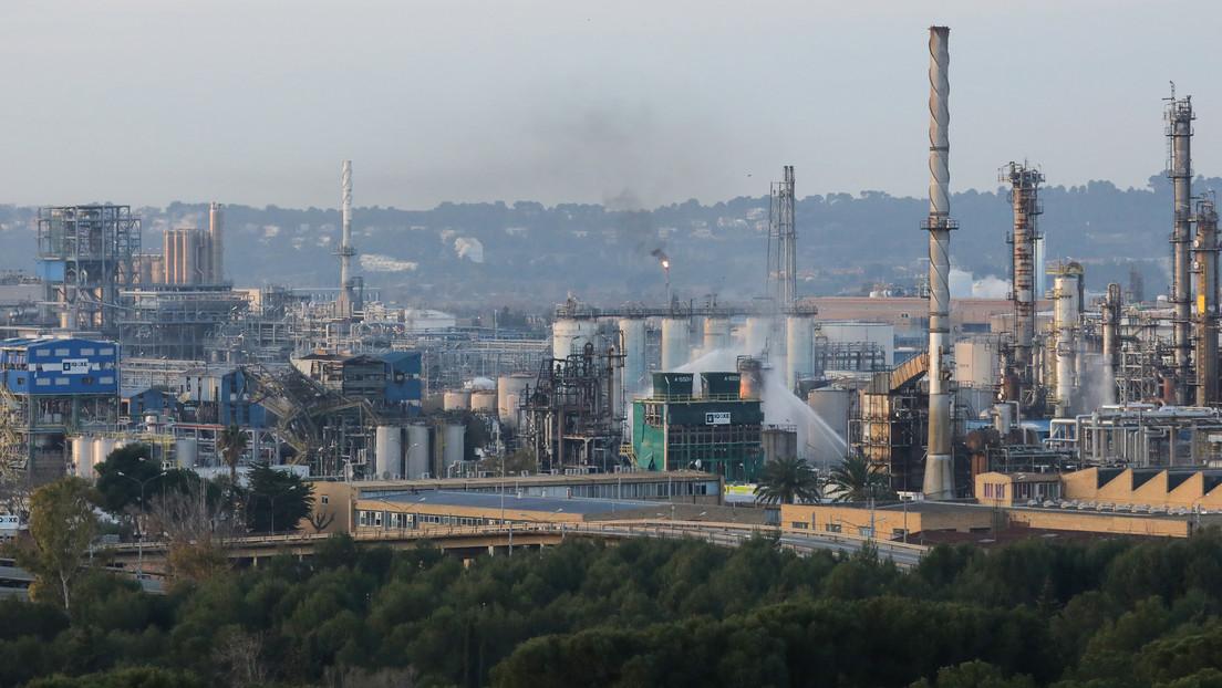 Ascienden a dos las muertes por la explosión de una petroquímica en Cataluña