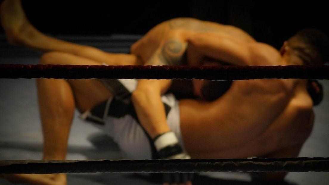 VIDEO: Luchador de MMA noquea a su rival con un infernal rodillazo volador a lo 'Street Fighter'