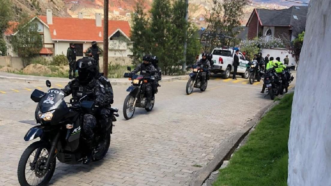 """VIDEO: Embajada de México en Bolivia denuncia un """"fuerte operativo"""" a las afueras de la sede diplomática"""