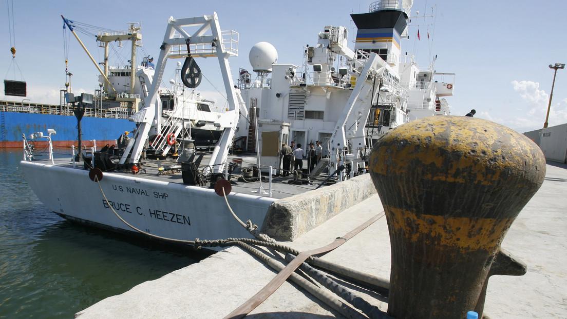 Pescador croata saca del mar una misteriosa caja naranja y la Marina de EE.UU. toca a su puerta para recuperarla