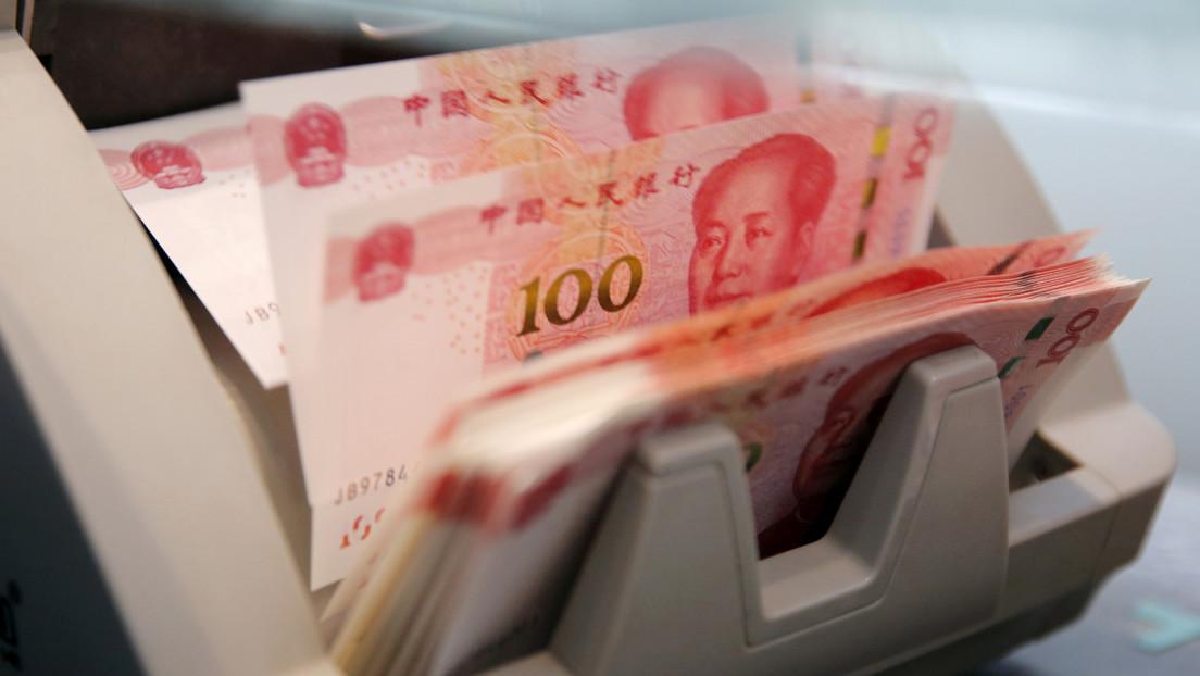 Hallan fajos de billetes por valor de 29 millones de dólares en el apartamento de un funcionario corrupto en China