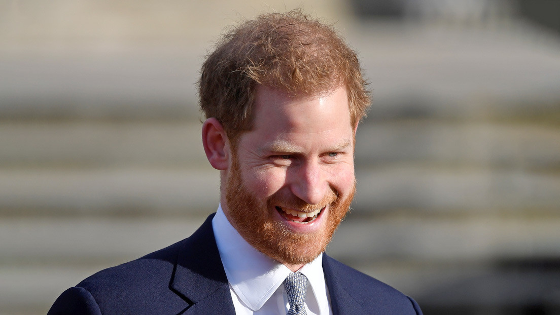 El príncipe Enrique aparece en público por primera vez después de su renuncia a los privilegios reales