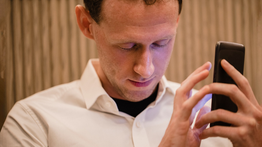 Desde leer textos a identificar objetos, colores y dinero: la 'app' en 35 idiomas para personas con discapacidad visual
