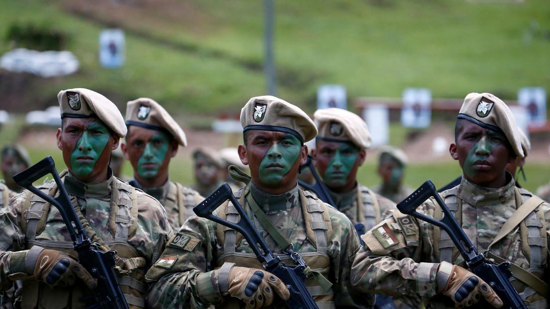 """Gobierno de facto de Bolivia militariza las calles """"preventivamente"""" con equipos antimotines"""