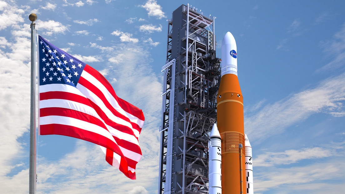 """Elon Musk dice que el cohete superpesado SLS de la NASA es """"una tragedia"""""""