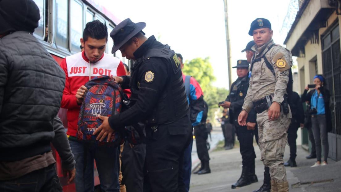 Giammattei declara estado de prevención en dos municipios de Guatemala y envía a 2.000 policías y militares a sus calles