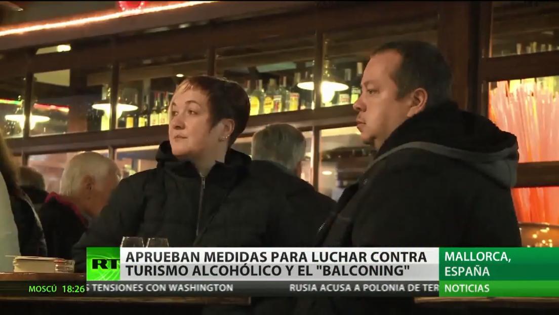 Prohíben incentivar el 'turismo de borrachera' y el 'balconing' en Baleares