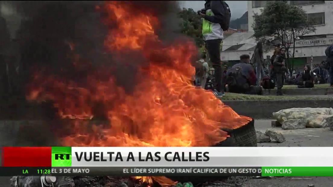La Policía de Bogotá dispersa la marcha estudiantil contra el gobierno de Iván Duque