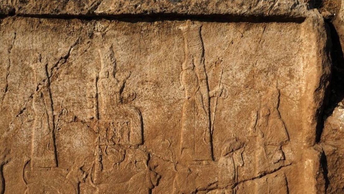"""FOTOS: Encuentran """"extraordinarios"""" relieves asirios en Irak que datan de los siglos VIII-VII a.C."""