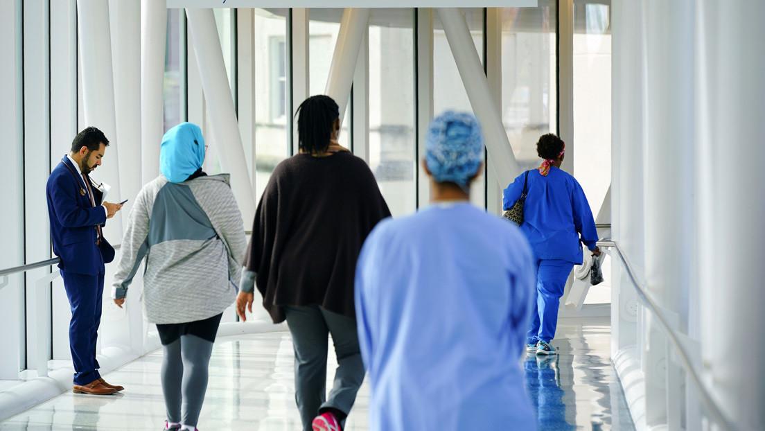 Trump impulsa un plan que privaría de cualquier atención médica a miles de migrantes en EE.UU.