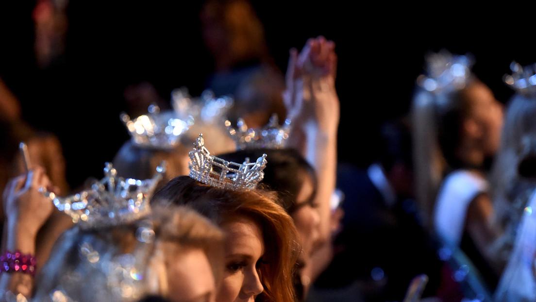 """""""¡Es un fraude!"""": Miss Colombia denuncia en pleno escenario la corrupción en el Miss Global"""