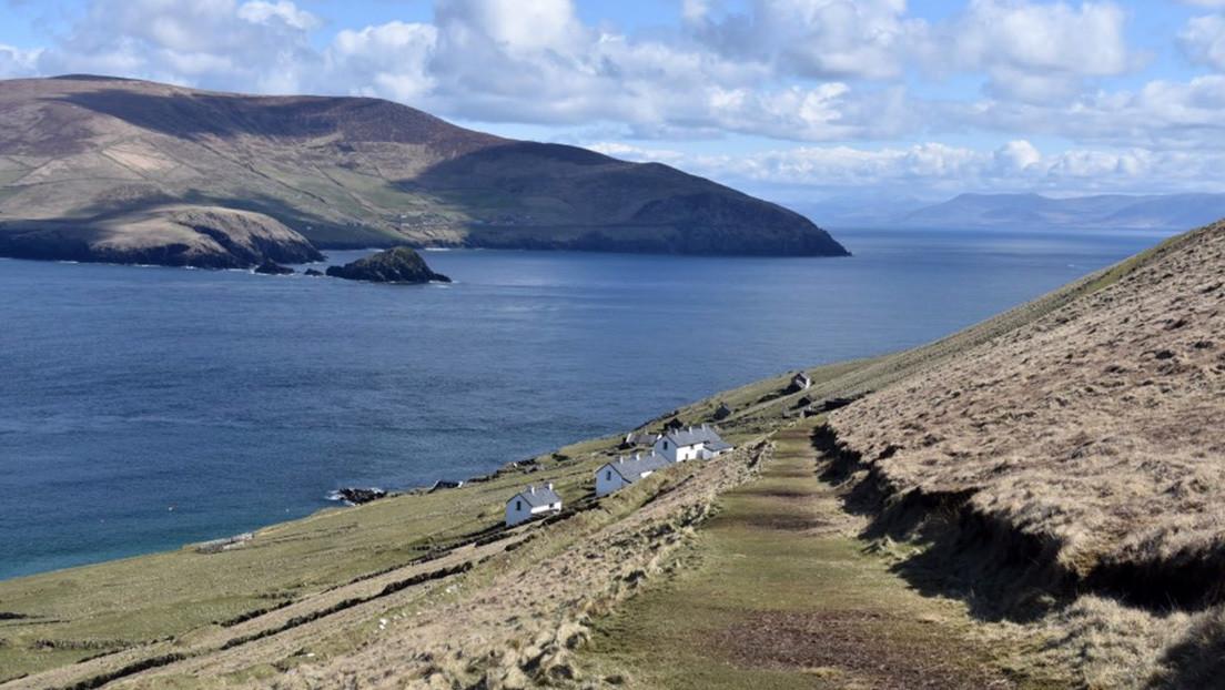 Una remota isla de Irlanda busca dos personas dispuestas a mudarse con todo pagado para trabajar allí (pero hay un problema)