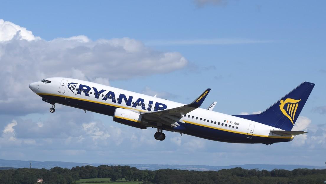 VIDEO: Un Boeing 737 de Ryanair regresa a Bucarest con la cabina llena de humo poco después de despegar