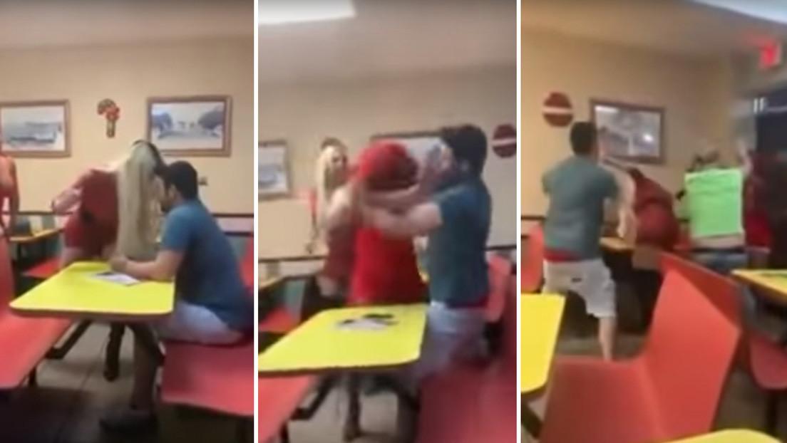 Dos mujeres trans golpean a dos hombres que las acosaban en una pizzería (VIDEO)
