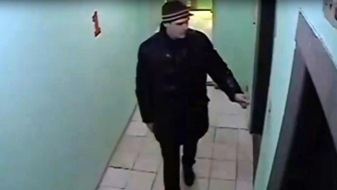 VIDEO: Una niña rusa logra evadir a un extraño con problemas psiquiátricos que la seguía