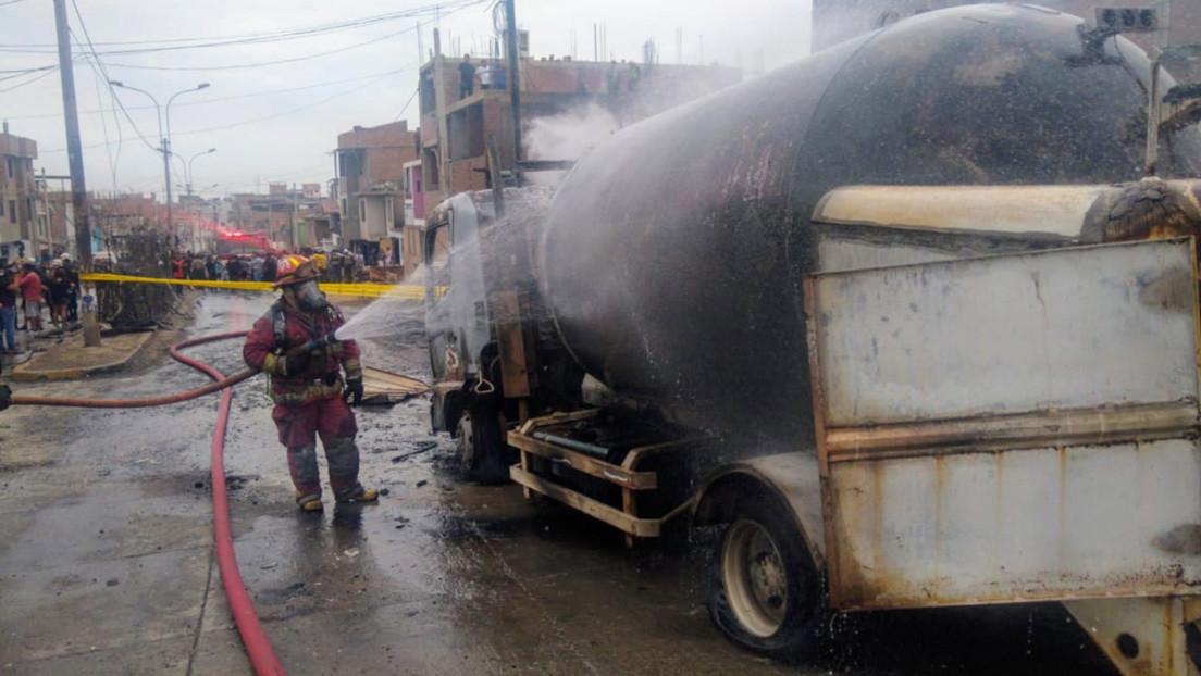 Dos niños y un adulto mueren tras la explosión de un camión cisterna en Lima