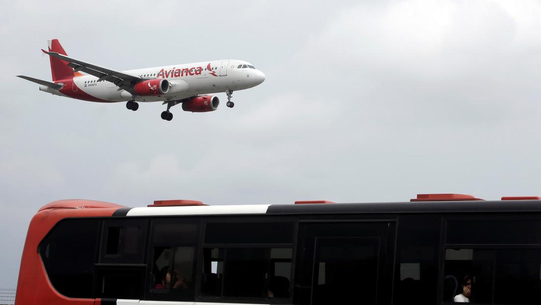 Un avión que iba de Costa Rica a Bogotá aterriza de emergencia en Panamá