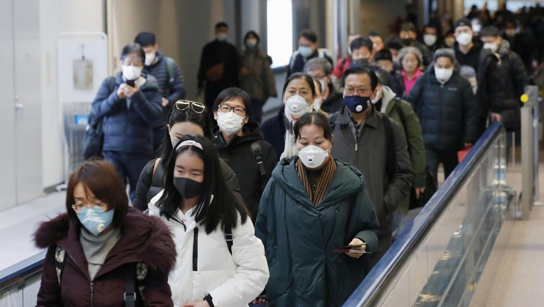 Una turista china relatacómo eludió los controles de coronavirus para volar a Francia