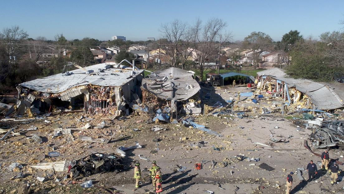 Gran explosión en Houston hace temblar varios edificios y causa una 'lluvia' de escombros (VIDEOS, FOTOS)